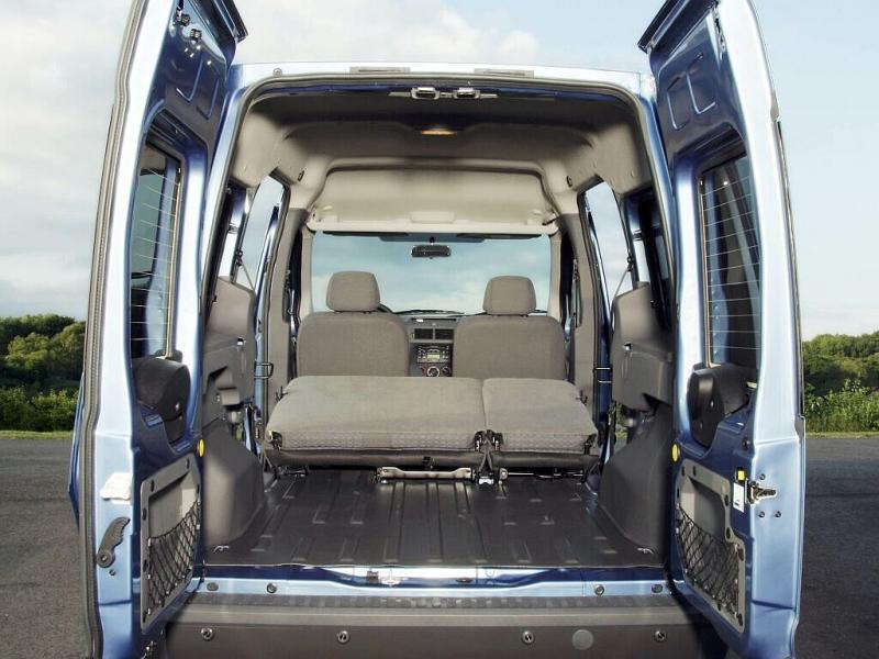 Просторный багажник Ford Tourneo…