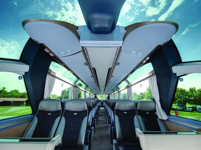 Салон автобуса MAN Neoplan Starliner.