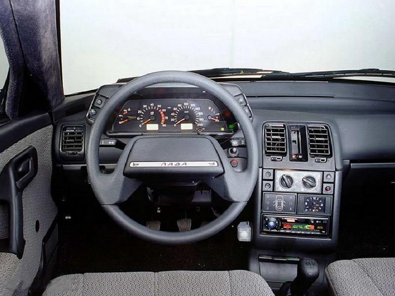 ВАЗ 2111, приборная панель, рулевое колесо