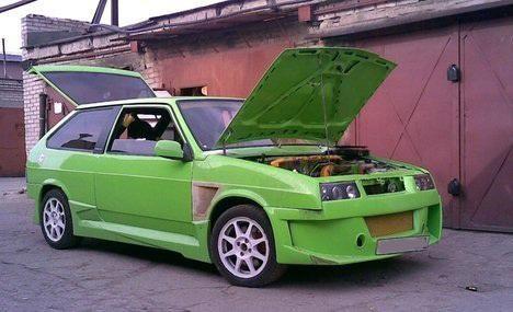 Зеленый ВАЗ 2108