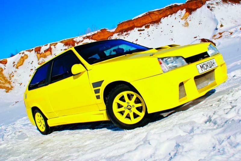 Желтый ВАЗ 2108, тюнинг