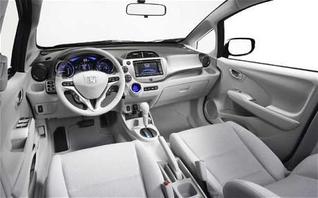 Просторный салон Хонда Джаз 2012