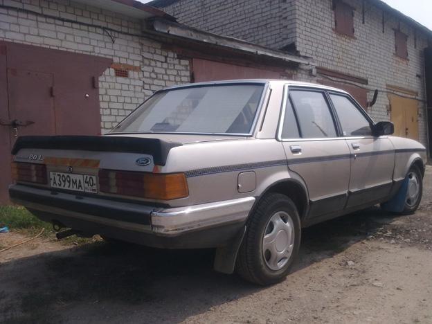 Просторный ретро Форд Гранада