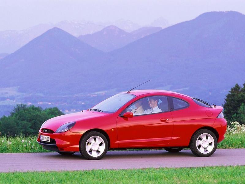 Красный Форд Пума