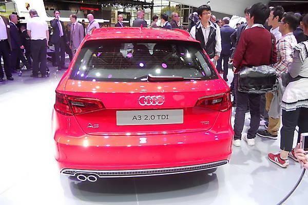 Хэтчбек Audi A3 Sportback вид сзади