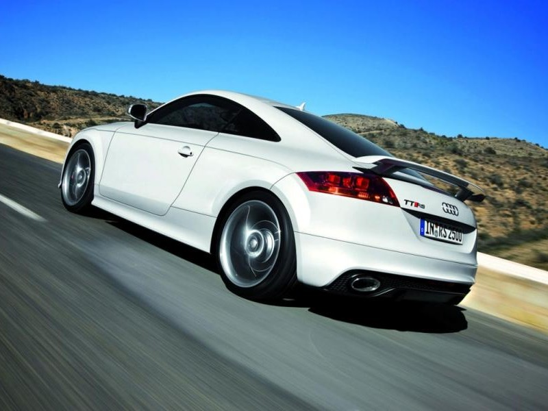 Белый Audi TT RS Coupe