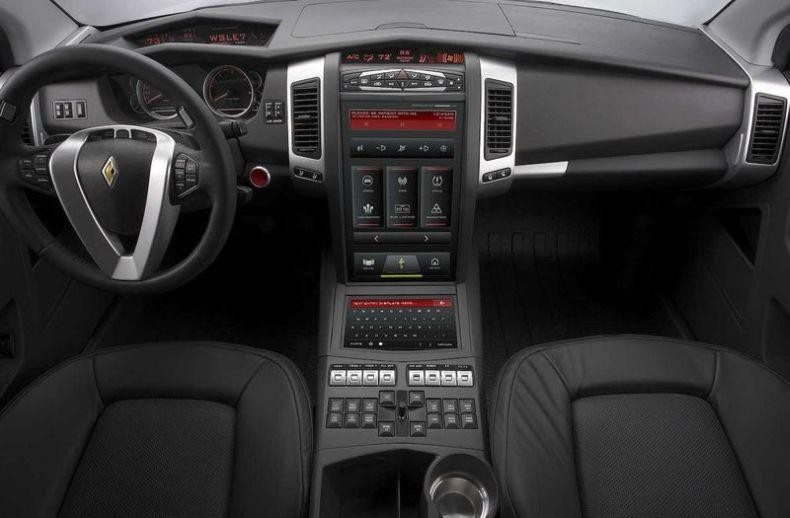 Черный салон, руль, консоль Carbon Motors E7