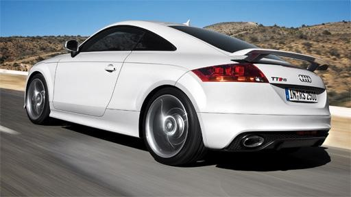 Быстрый купе Audi TT RS Coupe вид сзади