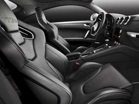 Черный салон Audi TT RS Coupe