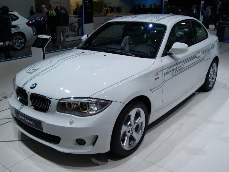 Белый концепт BMW ActivE