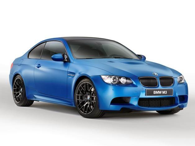 Синий купе BMW M3 Frozen