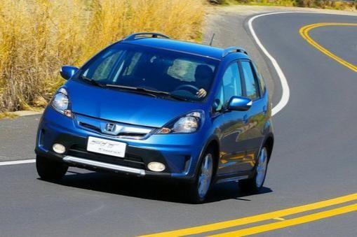 Хонда Фит Твист на трассе