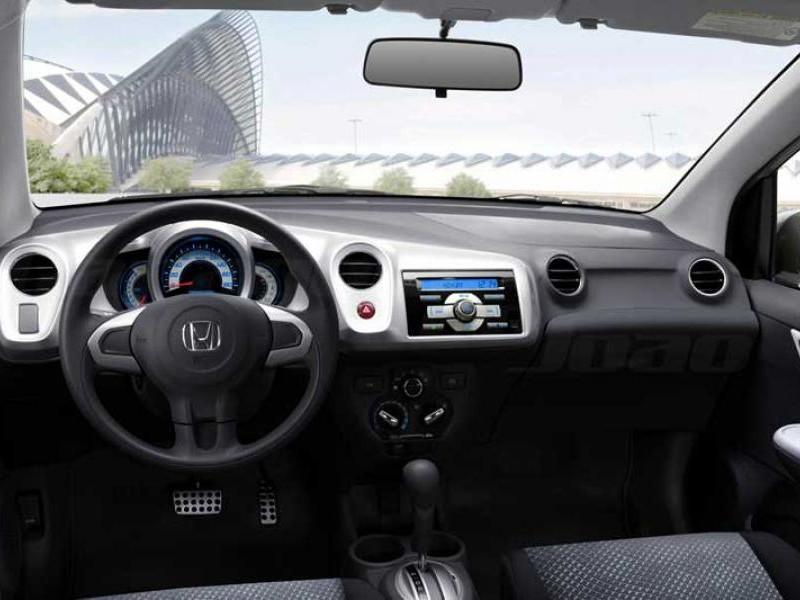 Руль, кпп, консоль Хонда Брио