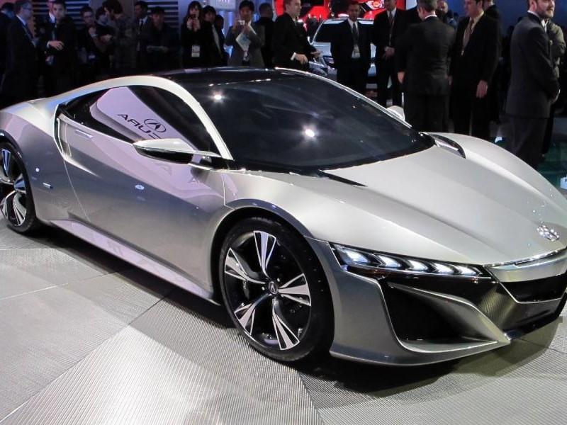 Серебристый концепт Acura NSX