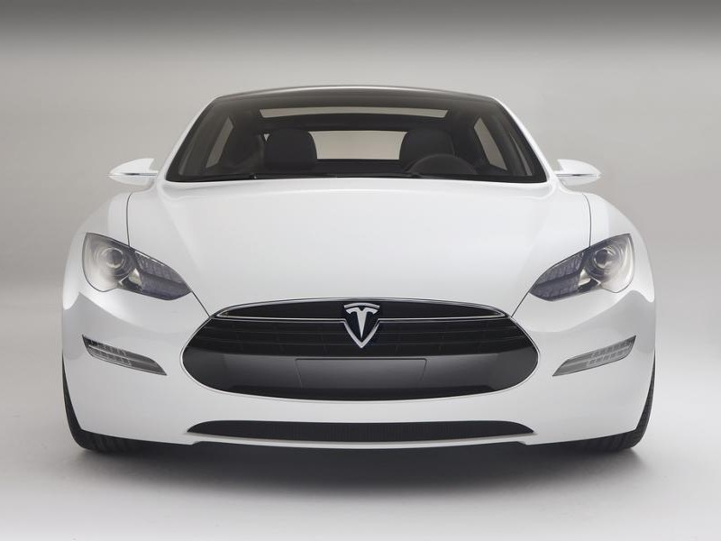 Картинки по запросу Tesla Model S спереди