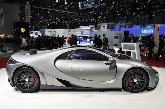 Серебристый GTA Spano 2013 вмд сбоку