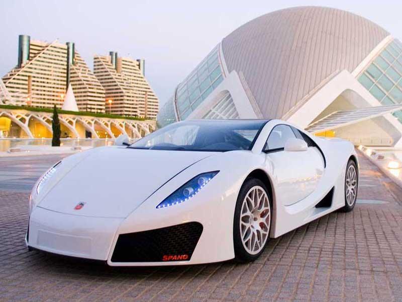 Белый мощный GTA Spano 2013