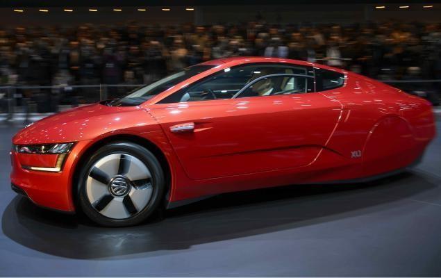 Красный концепт  Volkswagen XL1 2013