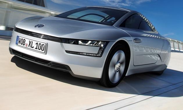 Серебристый Volkswagen XL1