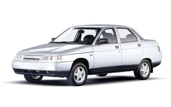 Белый седан ВАЗ 2110