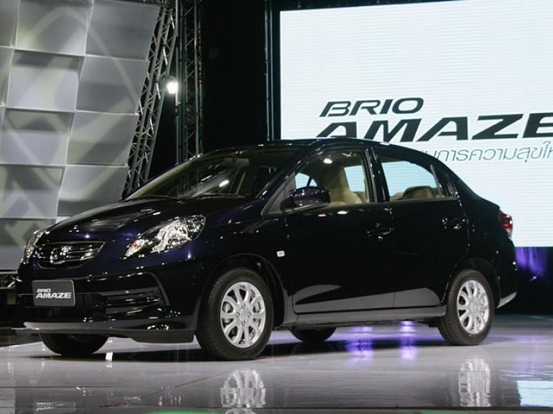 Черный Honda Brio Amaze 2013