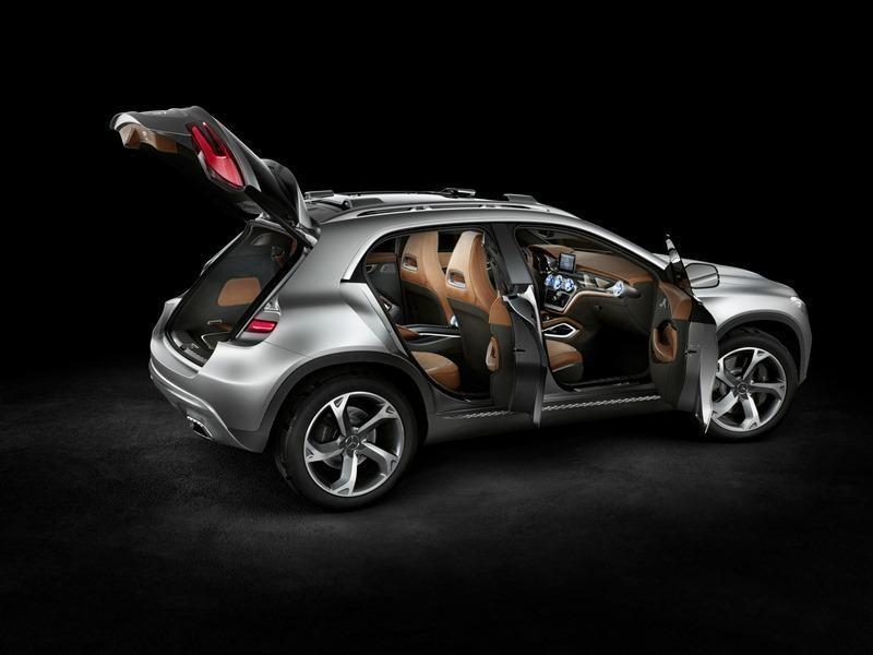 Комфортабельный серебристый концепт Mercedes GLA