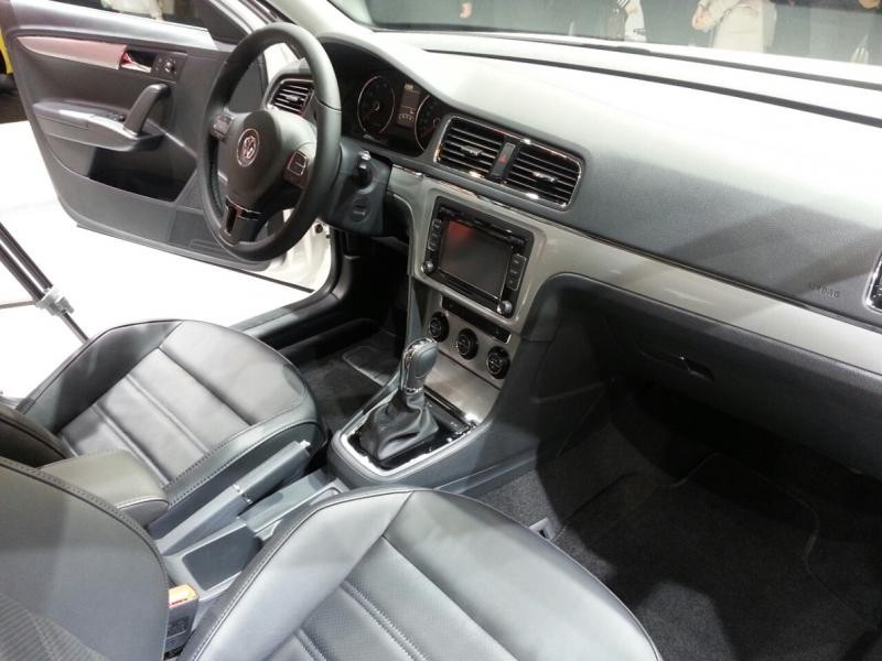 Кожаный салон, кпп, руль, консоль Volkswagen Gran Lavida