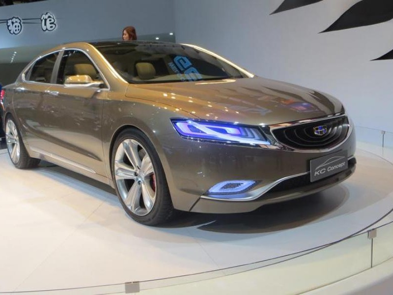 Серебристый концепт Geely Emgrand KC 2013