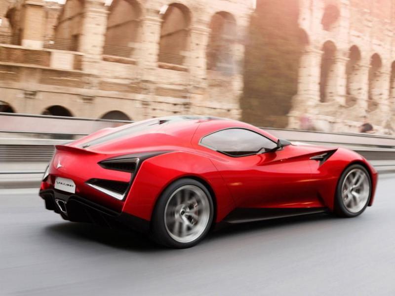 Красный Icona Vulcano 2013 на трассе