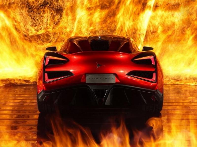 Красный концепт Icona Vulcano 2013, вид сзади