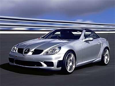 Серебристый родстер Mercedes SLK