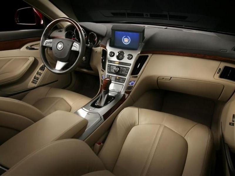 Бежевый салон, кпп, руль, консоль Cadillac CTS Coupe