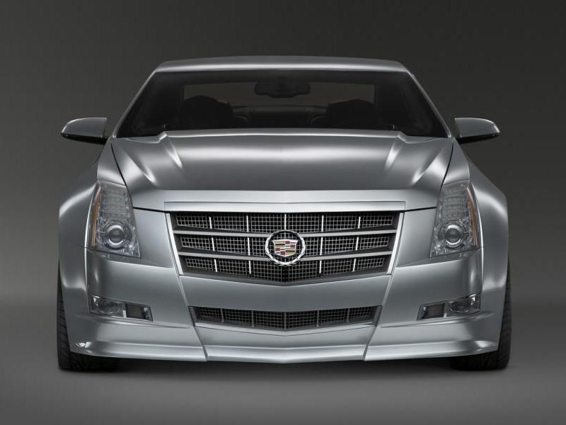 Серебристый Cadillac CTS Coupe