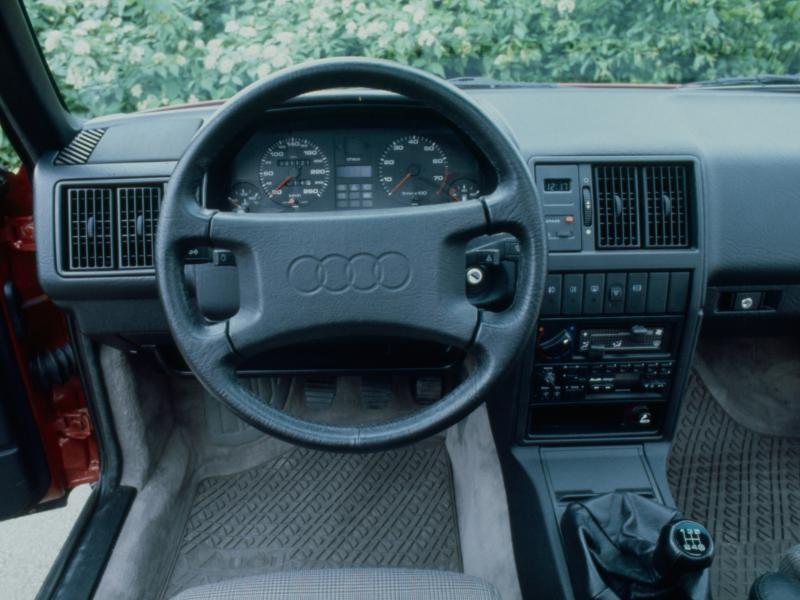 Руль, кпп, приборная панель Audi 200
