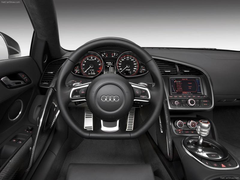 Руль, кпп, консоль Audi R8 V10