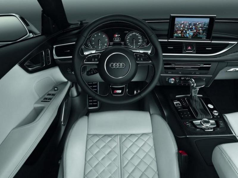 Бежевый салон, руль, кпп Audi S7 Sportback