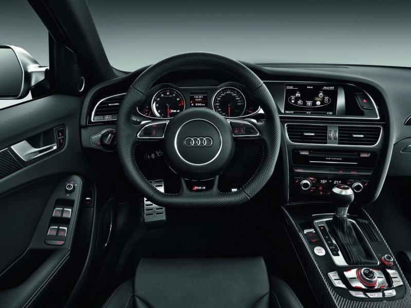 Руль, кпп, консоль Audi RS4