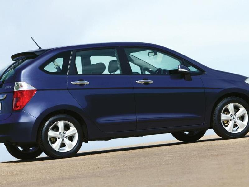 Синий минивэн Honda FR-V, вид сбоку