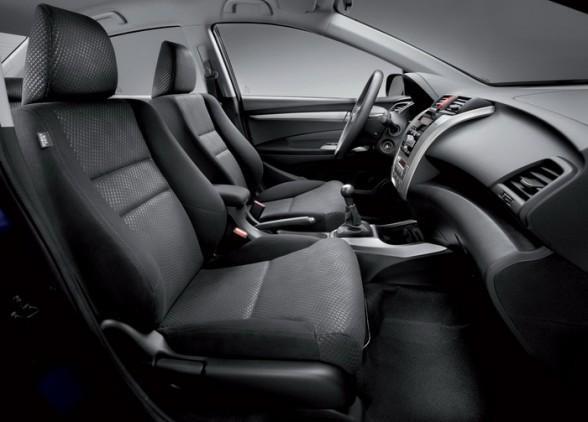 Черный салон Honda City