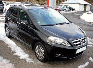 Черный минивэн Honda FR-V