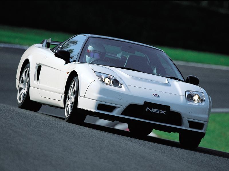 Белый Honda NSX