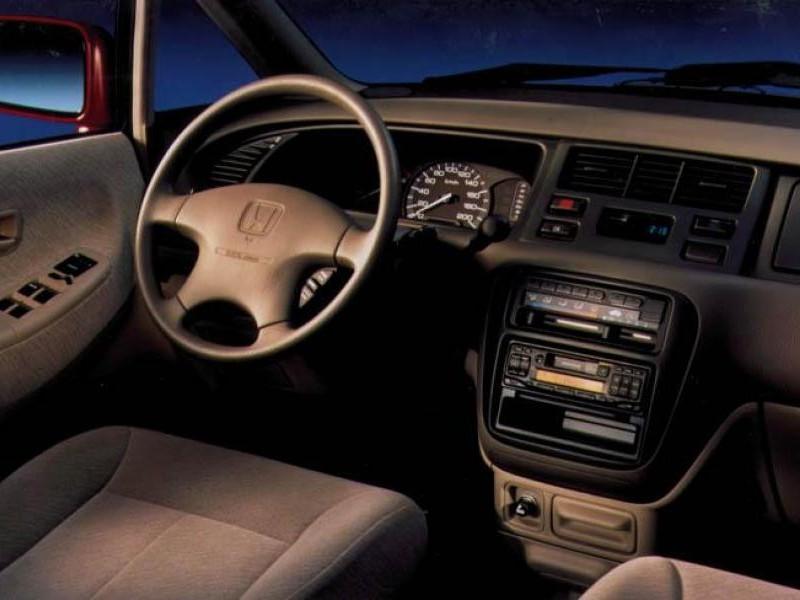 Салон, руль Honda Shuttle