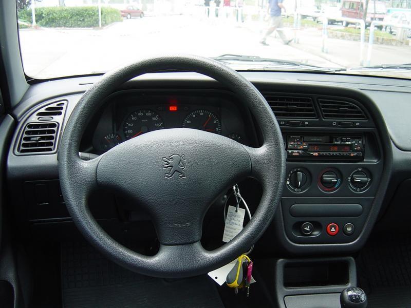 Руль, кпп, приборная панель Peugeot 306