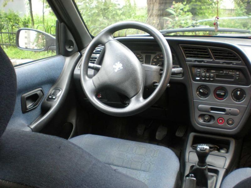 Салон. руль, кпп, приборная панель Peugeot 306