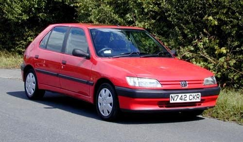 Peugeot 306, красный хэтчбек