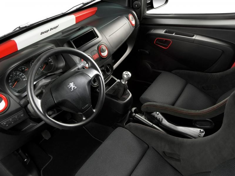 Салон, руль, кпп Peugeot Bipper