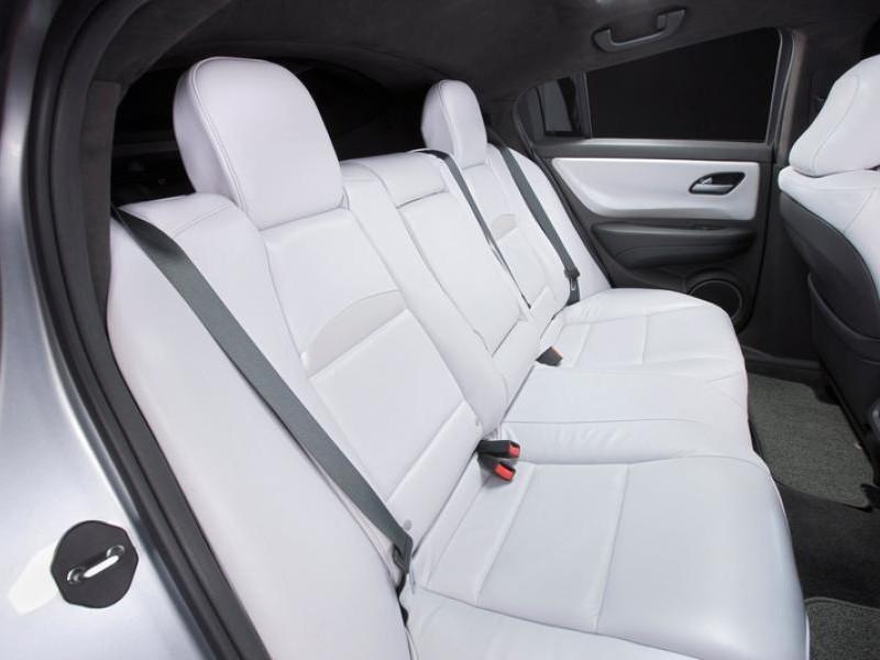 Белый салон Acura ZDX