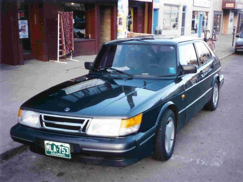 Комфортабельный Saab 900