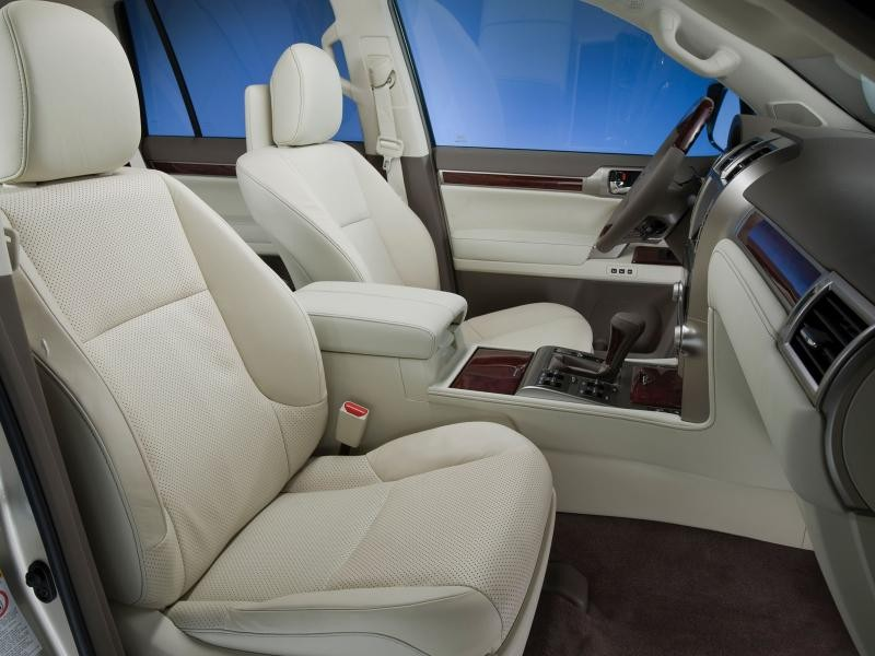 Бежевый салон, руль, кпп Lexus GX460