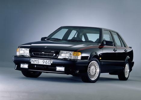 Практичный седан Saab 9000